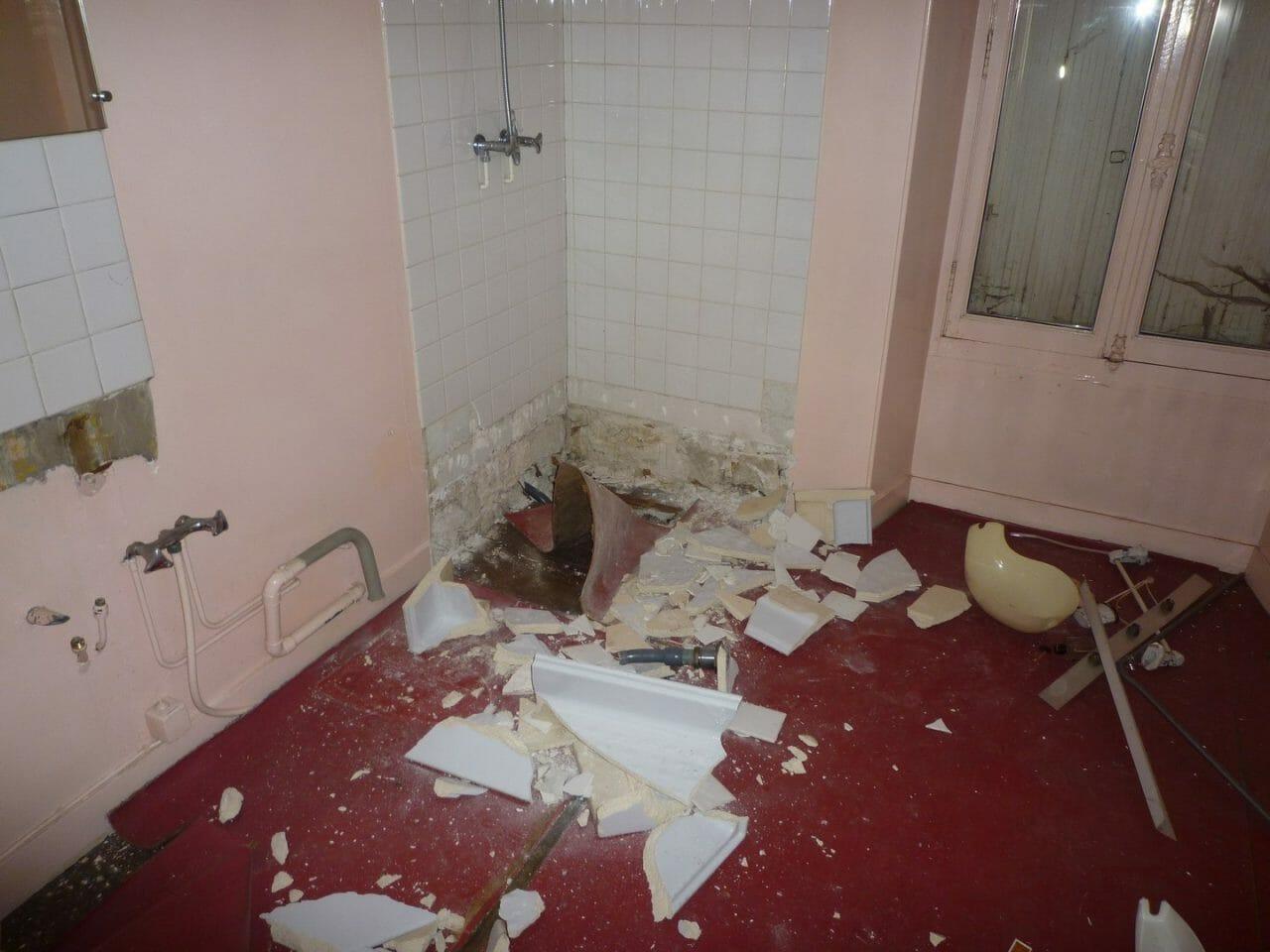 travaux de rénovation salle de bains par Ai Concept Cuisiniste 77